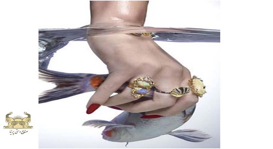 شنا یا حمام کردن با جواهرات