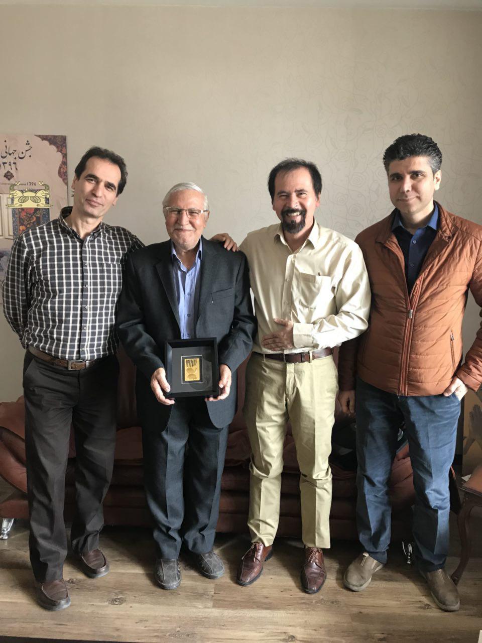 جوایز برندگان مسابقه پیش بینی پنجمین تمبر فاخر طلا و نقره گاندی